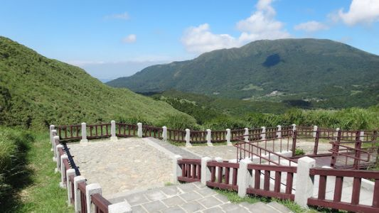 Some-of-the-Mountains-of-YangMingShan